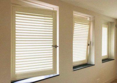 shutters op draaikiep raam